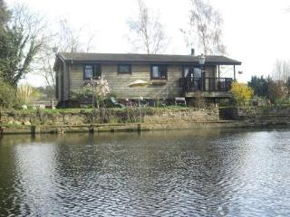 Riverside Log Cabin on Shakespears River Avon UK - Evesham vacation rentals