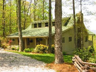 Expansive Mountain View Charming Mountain Cabin - Scaly Mountain vacation rentals