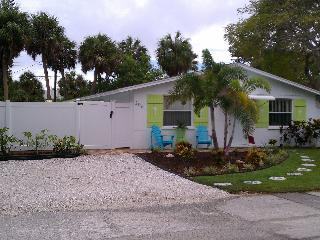 An 'Old-Style' Florida Pool Cottage w/Fun 4 All ! - Holmes Beach vacation rentals