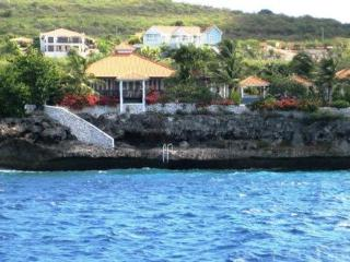 Unique Caribbean Villa. Oceanfront, Safe, Private - Malmok Beach vacation rentals