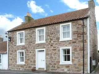 CAIRNHILL, WiFi, lawned garden with furniture, close to St. Andrews, Ref 31074 - Anstruther vacation rentals