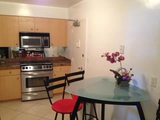 Miami Beach Apartment FREE Parking - Hollywood vacation rentals