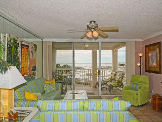 Gulf front 2 bedroom / 2 bath located in Destin Pointe Subdivision / Sleeps 6 - Destin vacation rentals