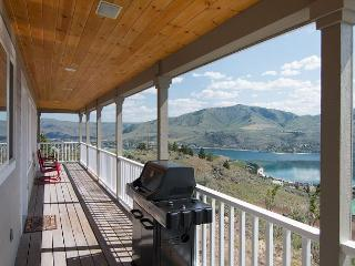 Breathtaking Panoramic VIew Home with Private Pool & Casita - Chelan vacation rentals