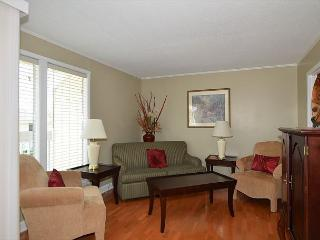 Walking distance to the Beach and the Harbor - Beautiful one bedroom condo - Destin vacation rentals