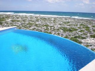 MAYA - NAHH4 Beautifull ocean front view villa with colonial decor and a short passage where you can make contact with the sea. - Akumal vacation rentals