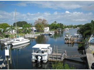 Beautiful Waterfront Property with Boat Lift. Minutes to The Gulf. - Schinias,marathon vacation rentals
