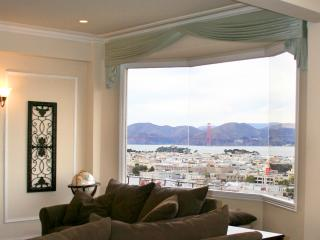 World Class Views  Cow Hollow 2 bed - ZCHGR1990 - San Francisco vacation rentals
