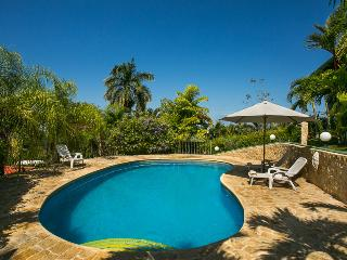 Perfect location in the heart of Manuel Antonio Casa Elda - Manuel Antonio vacation rentals