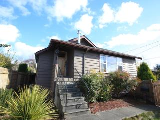 Clean, Spacious, Seattle 4-Bedroom House! - Seattle vacation rentals