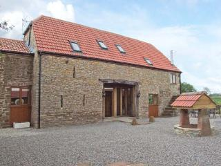 THE STONE BARN, flexible sleeping, WiFi, woodburner, detached cottage in Adsett, Ref. 29560 - Forest of Dean vacation rentals