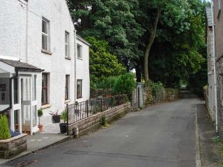 FOX BARN, in Lake District National Park with a south-facing patio, in Staveley, Ref 914299 - Staveley vacation rentals