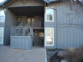 Walk to SHARC & The Village Mall! Pet Friendly Condo - Abbott House #6 - Sunriver vacation rentals