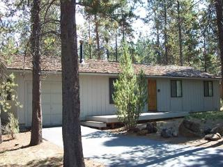 Sit On The Deck Or In The Private Hot Tub & Look Out Over National Forest! - Sunriver vacation rentals