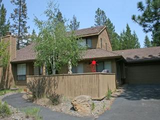 Large Deck, FREE & Discounted SHARC Passes - Sunriver vacation rentals