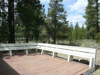 Walk to Fort Rock Park! Private Hot Tub, Free & Discounted SHARC Passes - Sunriver vacation rentals