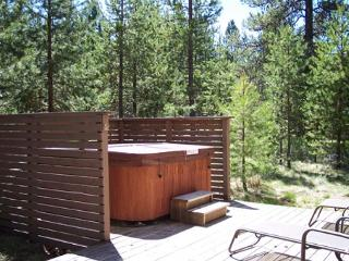 Close To Woodlands Golf Course, Ft Rock Park & The RIver, Private Hot Tub - Sunriver vacation rentals