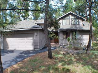 Close to the River! AC, Ping Pong Table, Free & Discounted SHARC Passes - Sunriver vacation rentals