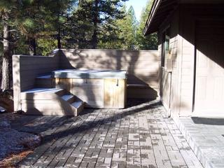 FREE & Discounted SHARC Pases, Pet Friendly, Hot Tub - Sunriver vacation rentals