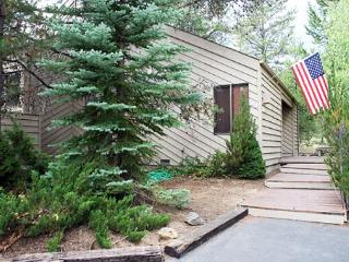 Large Deck, Private Hot Tub, Free & Discounted SHARC Passes - Sunriver vacation rentals