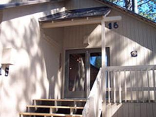 Updated Cabin, Private Deck, Flat Screen TV, Free & Discounted SHARC Passes - Sunriver vacation rentals
