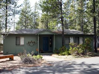 Walk To The Village, Hot Tub, Bikes & More - Sunriver vacation rentals