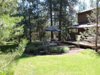 Close to Fort Rock Park, Private Hot Tub, Free & Discounted SHARC Passes - Sunriver vacation rentals