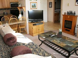 Close to the Village Mall, Free & Discounted SHARC Passes - Sunriver vacation rentals