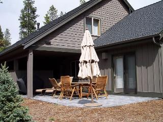 Spacious 3000 SF Home, Hot Tub, Bikes, Close to the Deschutes River - Sunriver vacation rentals