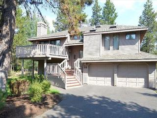 Spacious Vacation Home with Open Living Area, Free & Discounted SHARC Passes - Sunriver vacation rentals
