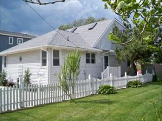 14010 122144 - Beach Haven vacation rentals