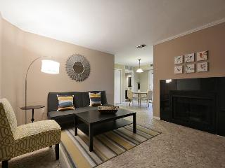 1BR/1BA Huge Summer Discounts! Downtown Austin Condo 2 Blocks From 6th St! - Austin vacation rentals