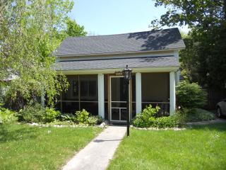 Northport Village Cottage - Walk to the Beach! - Northport vacation rentals