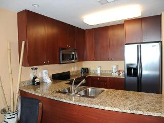 Beautiful 2 Bedroom / 2 Bathroom Condo Directly on the Beach SB-707 - Gulfport vacation rentals