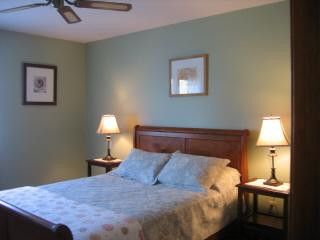 Master Bedroom with Queen Size Bed - Osprey Crossing Spacious & Quiet 2 Bdr. Apt. - Cape May Court House - rentals