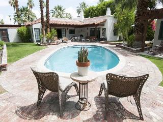 Villa Valencia ~ Special ~ 15% off 5 night stay thru 10/1 - Palm Springs vacation rentals