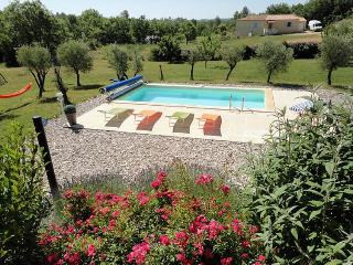 Les Oliviers - Roses vacation rentals
