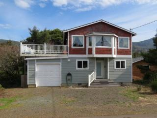 Harvey's Beach House in Nedonna Beach - Rockaway Beach vacation rentals