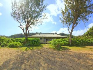 Paradise House - 4BR right on the Sand, Close to Banzai Pipeline - Haleiwa vacation rentals