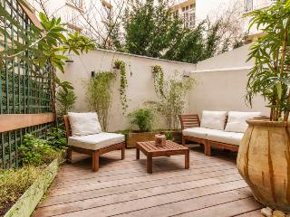 *INCREDIBLE* 2 BED APARTMENT WITH TERRACE Latin Quarter - 5th Arrondissement Panthéon vacation rentals