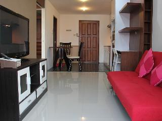 1BR Apt near JJ market and Don Mueng Airport - Lat Yao vacation rentals
