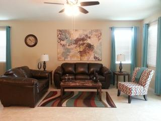 Poolside Bliss - NEW 4 Bedroom with Pool & BBQ - Kissimmee vacation rentals