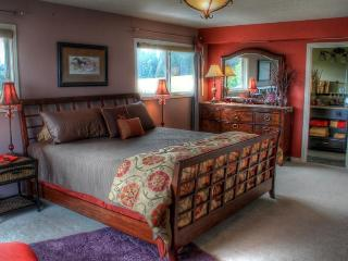 Beautiful Estate surrounded by Vineyards & Horses - Newberg vacation rentals