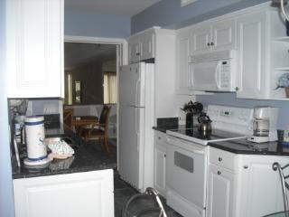Twin Oaks 2 Bdrm Harbour Town, Sea Pines, Pool - Hilton Head vacation rentals