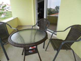 Apartment for 6 persons in Liznjan - Liznjan vacation rentals