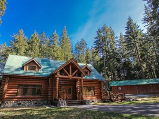 Towering Pines Lodge, Wi-Fi, Hot Tub, Sleeps 18 - Leavenworth vacation rentals