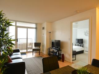 Deluxe 1 Bedroom with Den, close to Square One - Mississauga vacation rentals
