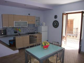 Central family apartment, air conditioning, free wifi - Cefalu vacation rentals