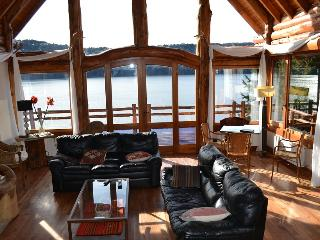Amaizing house with lake view for 20 persons - San Carlos de Bariloche vacation rentals