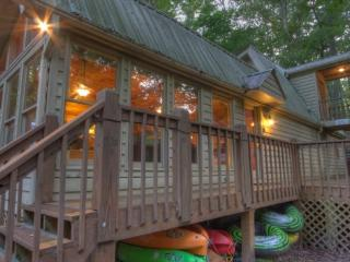 Cartecay Canoe House - your riverfront adventure outpost in Ellijay - Blue Ridge vacation rentals